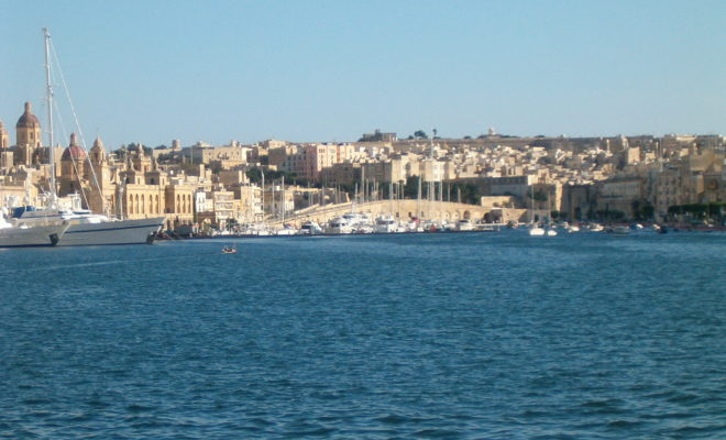 Malta - Due soldati arrestati per raid razzista dopo l'omicidio di un immigrato