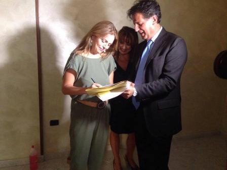 Il comune assegna a Carmela Sermino la casa confiscata di Aldo Agretti
