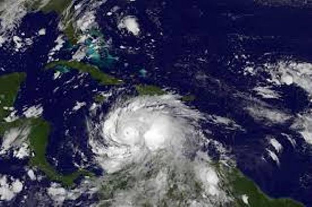 Florida, è allarme uragano Dorian. Trump: