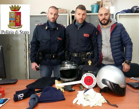 Assalto armato in tabaccheria a Napoli, arrestati 3 rapinatori dalla polizia