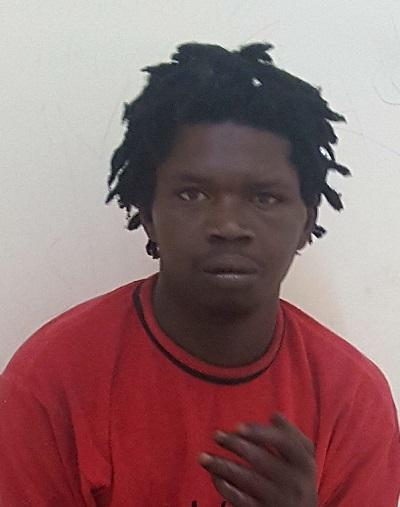 Napoli, arrestato un 23enne gambiano: ha tentato di sgozzare i passanti