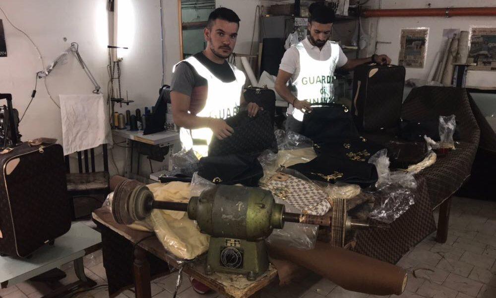 Castel Volturno – Sequestrato laboratorio clandestino di prodotti  contraffatti 7da4d53a505