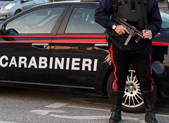 Formia, conflitto a fuoco con i carabinieri: ferito un latitante di camorra