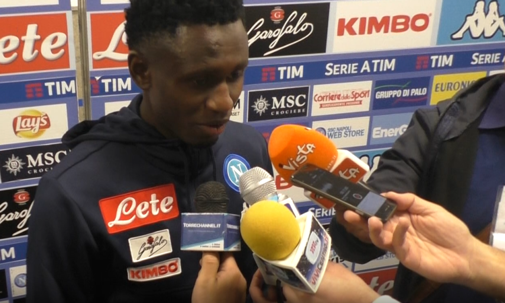 napoli chievo 2 1 intervista a diawara dalla mixed zone dello stadio san paolo video. Black Bedroom Furniture Sets. Home Design Ideas